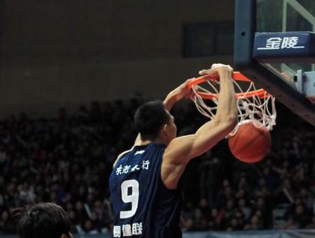 战胜天津,广东男篮提前两轮锁定常规赛第一