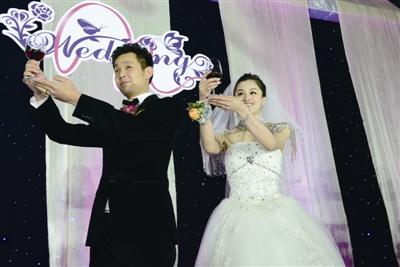 朱启南摆110桌大婚,林丹视频送祝福