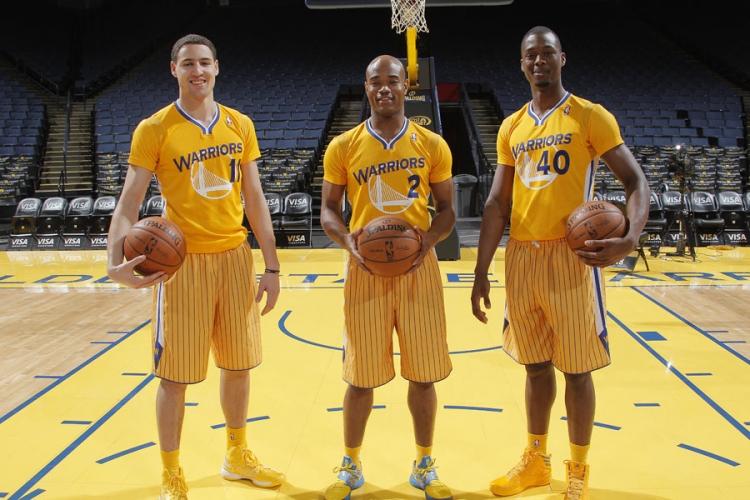 NBA首现!勇士发布新款短袖球衣