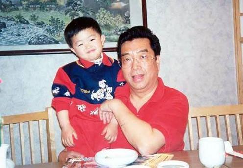 李双江之子涉嫌轮奸,5岁成申奥大使