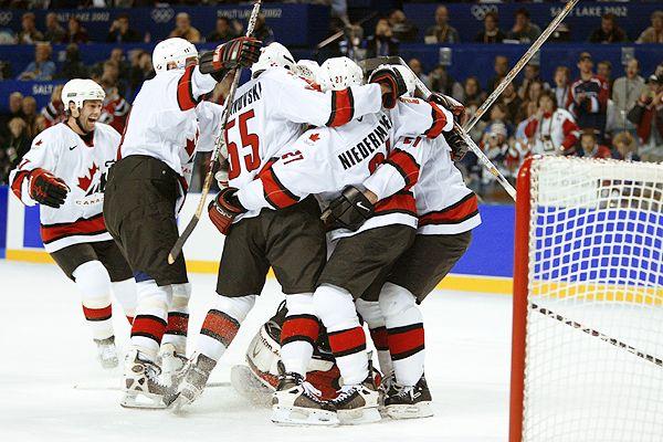 加拿大拟在冰球场添心脏除颤器防球迷猝死