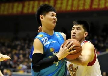 王哲林:偶像是加索尔,曾模仿麦迪单手持球
