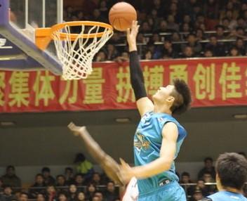 王哲林:我的优势是得分,不会刻意去改变