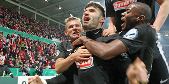 德国杯:狼堡晋级,弗赖堡逆转美因茨