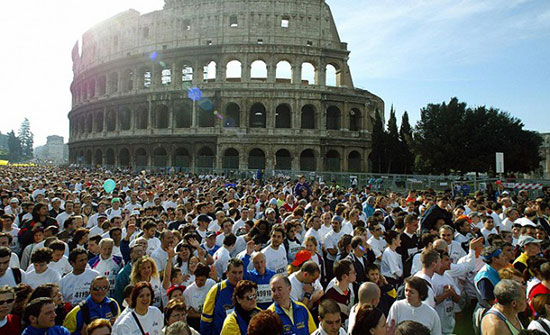 罗马半程马拉松赛:肯尼亚包揽男女冠军