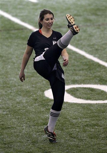 史上首位女性参加NFL试训