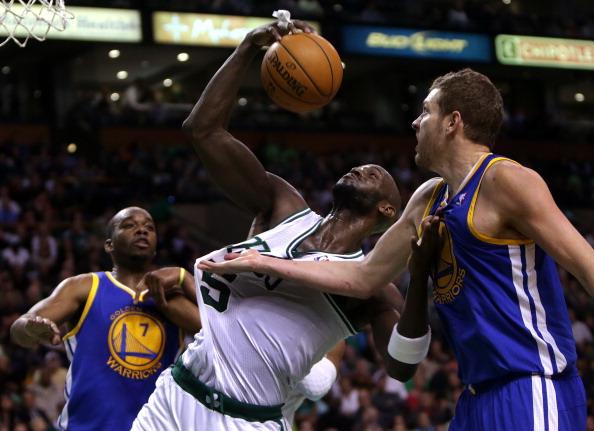 加内特生涯总篮板数跻身NBA历史前十