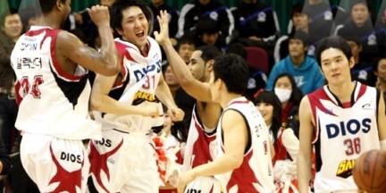 韩国篮球教练涉嫌操控比赛被捕