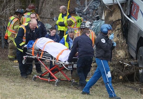 美大学生校队遭遇车祸,教练身亡