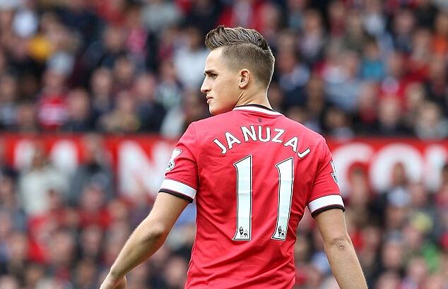 吉格斯号码_贾努扎伊:身披11号,自豪与压力并存_虎扑国际足球新闻