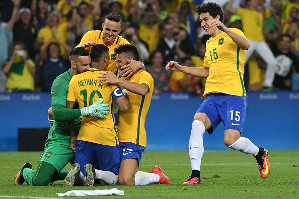 奥运足球冠军_众志成城!巴西男足首次夺得奥运会冠军_虎扑国际足球新闻