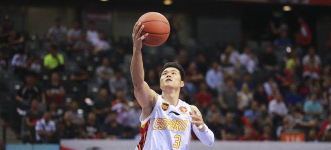 孟铎:全场32次助攻诠释团队篮球