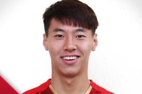 创造历史!王靖斌成首位职业比赛零记录上场国脚