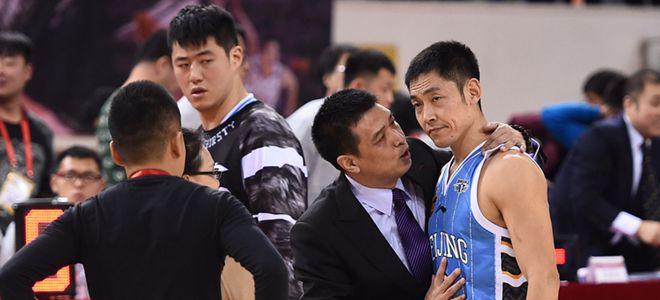 张庆鹏:眼睛看不清,不然投篮会更准