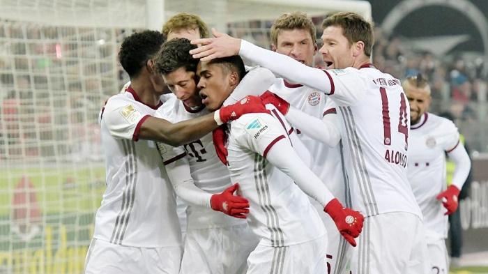 弗赖堡vs拜仁赛后评分:莱万满分,拜仁多人低分