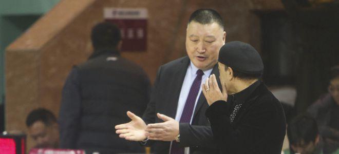 阿的江:韩硕被禁赛对球队影响很大
