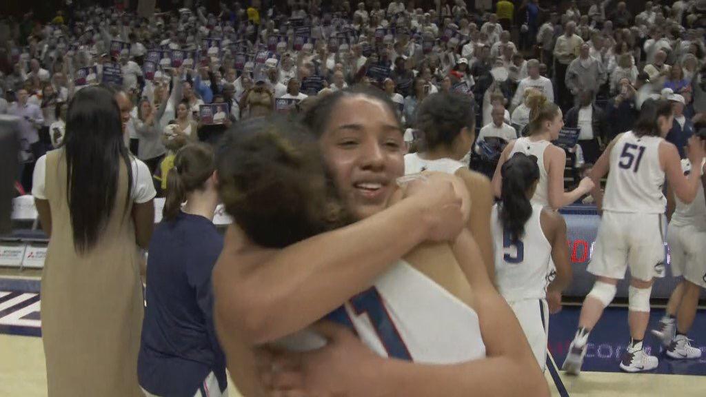 科比发推祝贺康涅狄格大学女篮获得100连胜