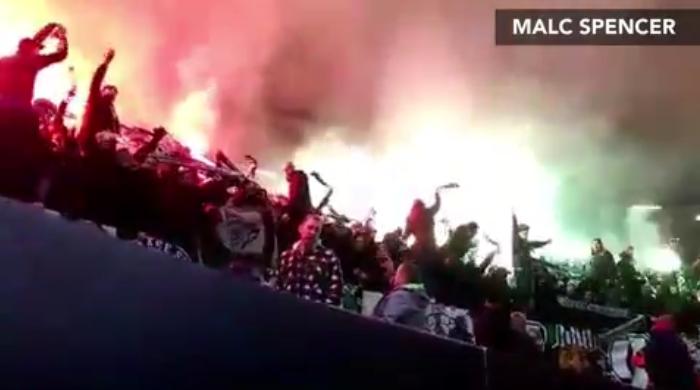欧足联调查,圣埃蒂安球迷或因违规行为遭罚