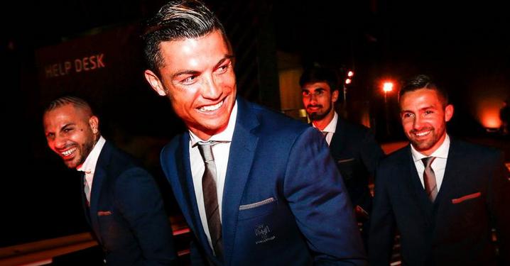 实至名归!C罗当选葡萄牙年度最佳球员
