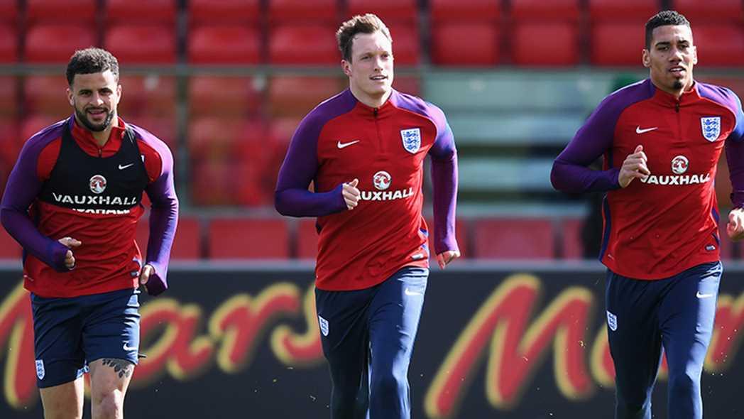 官方:琼斯训练中受伤,退出本期英格兰队