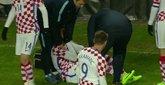 皮亚察在克罗地亚国家队扭伤左膝,被担架抬下
