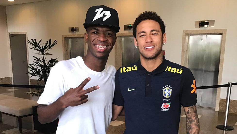 巴西新星:我想和我的偶像内马尔一起踢球