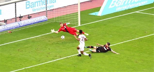半场:门线两救险+莱诺神扑,拜仁客场0-0药厂