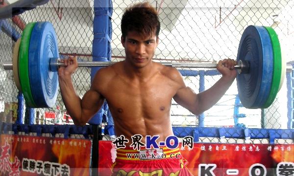 他也许是第一个杀入诸神16强的中国代表,他来自泰国