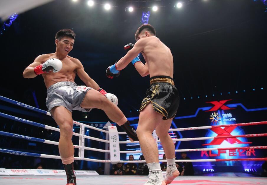 面对大战过祖耶夫的泰拳王,孔令丰的低扫能否上演致命一击?