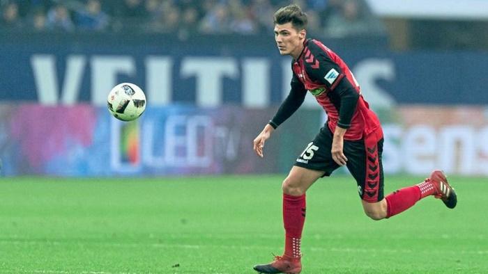 图片报:弗赖堡将正式签下多特外租小将斯滕泽尔