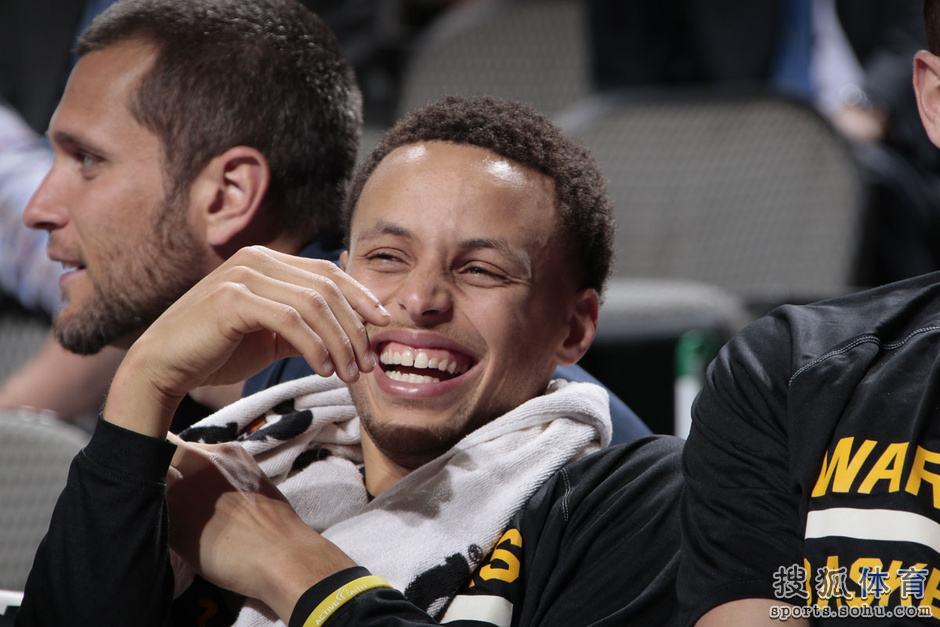 穆林赞库里:看NBA这么久,甚至没人能接近他