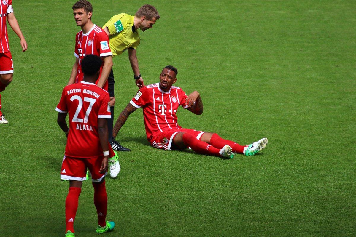 GIF:疑似大腿受伤,博阿滕被基米希替换下场