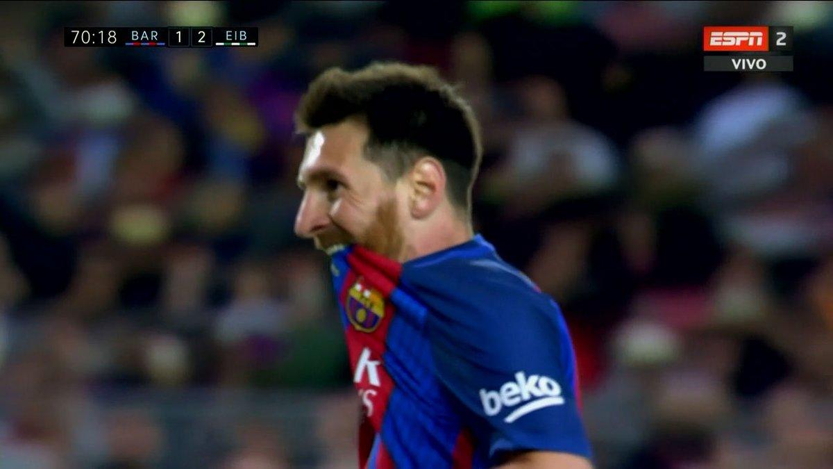 GIF:梅西点球罚丢,失去扳平良机