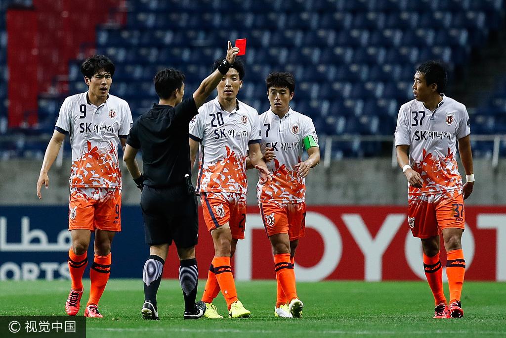 官方:济州联赵荣亨被禁赛半年,白栋圭禁赛3个月