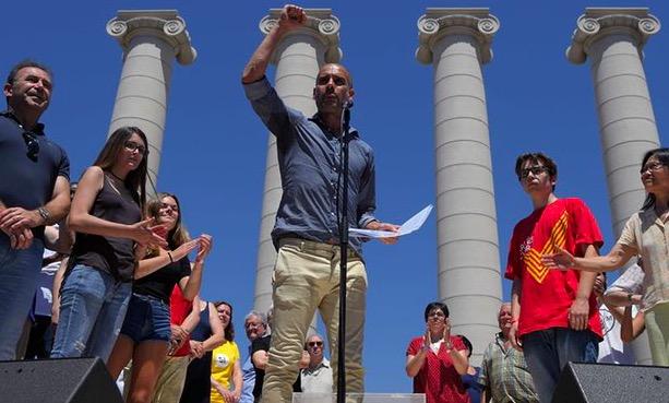 瓜迪奥拉支持加泰独立抗议活动,呼吁民众参加公投