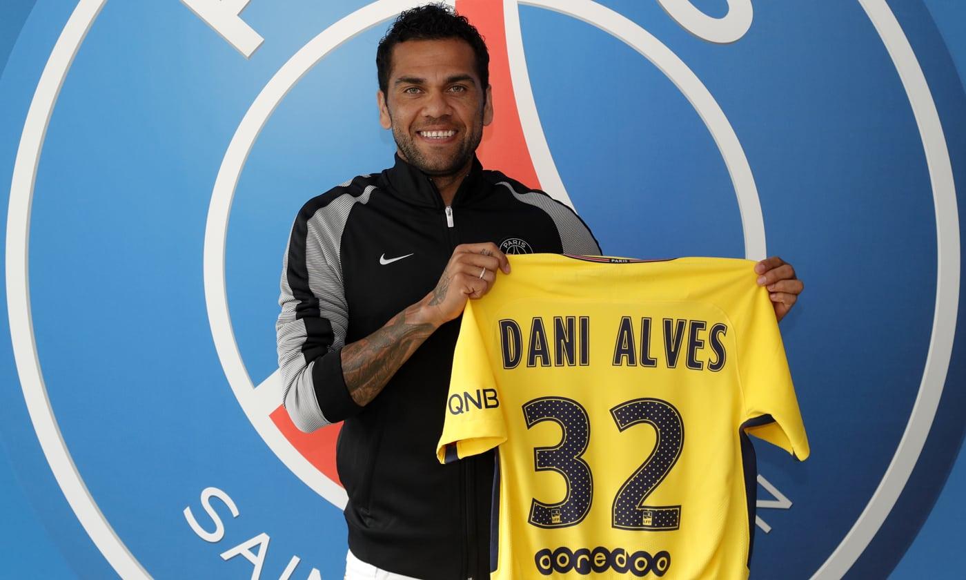 官方:巴黎圣日耳曼签下巴西后卫达尼-阿尔维斯