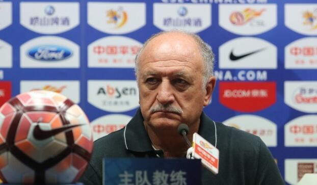 斯帅:《世界体育报》是骗子,保利尼奥一周都在正常训练