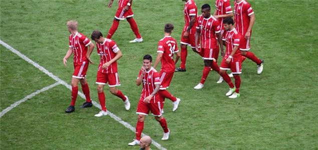 电信杯:穆勒传射+失点J罗首秀,拜仁2-0不莱梅捧杯