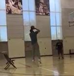 努尔基奇进行接球跳投训练