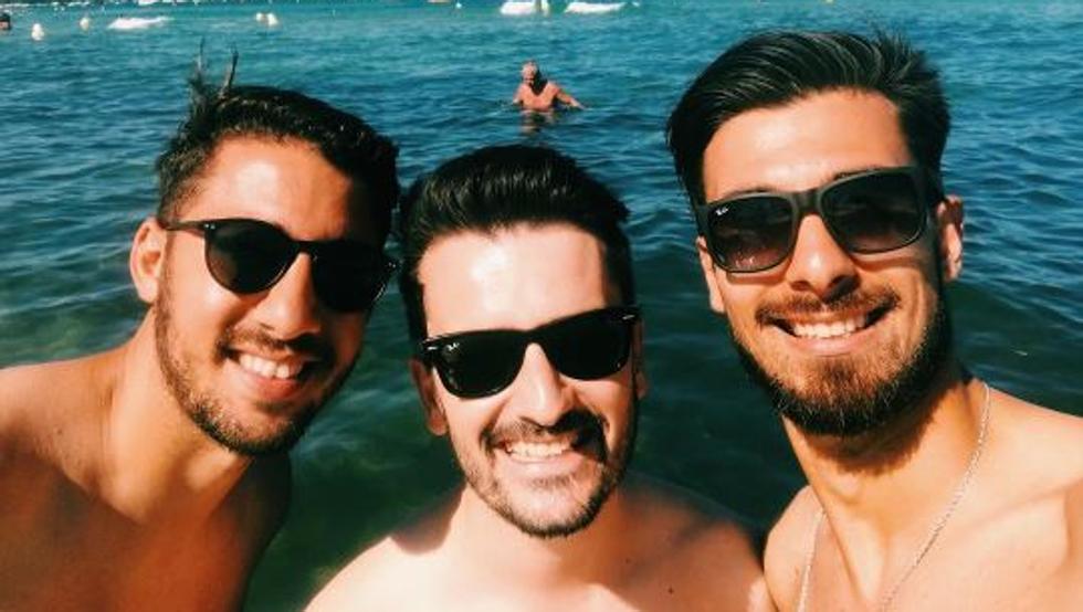 享受假期,A-戈麦斯与国家队队友一起出海游玩