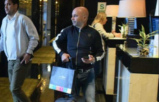 桑保利飞赴欧洲考察梅西等国脚,将观看西超杯首回合