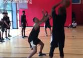 训练师发布视频:保罗面对防守者不运球也能得分