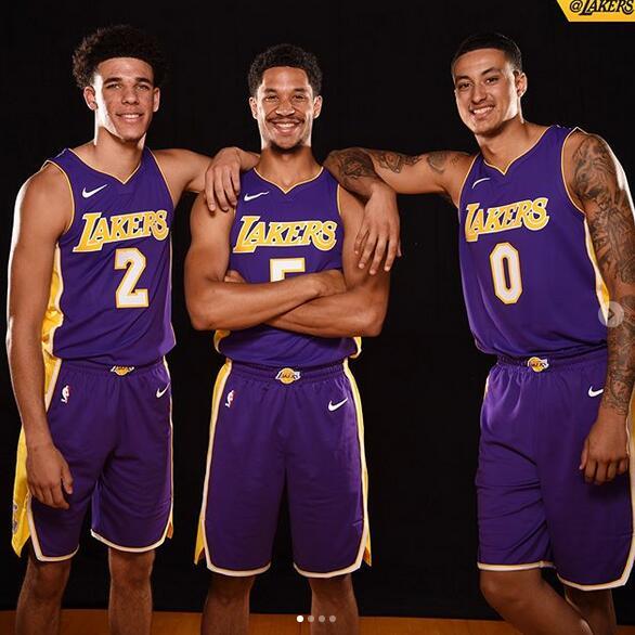 湖人官方發佈鮑爾等三位新秀身著新球衣的定妝照