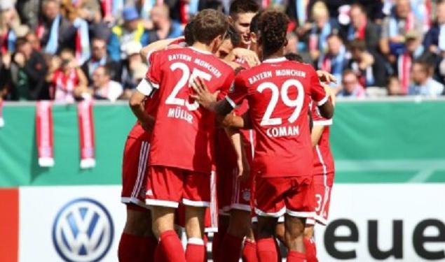 莱万双响科曼里贝里破门,拜仁慕尼黑5-0开姆尼斯