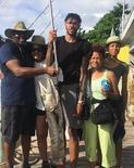 布兰登-英格拉姆一家在巴哈马钓鱼收获颇丰