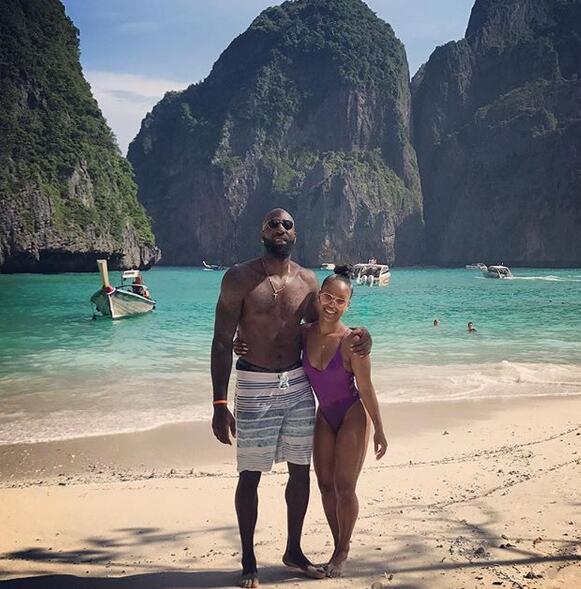 風景怡人!埃西夫婦在泰國度假