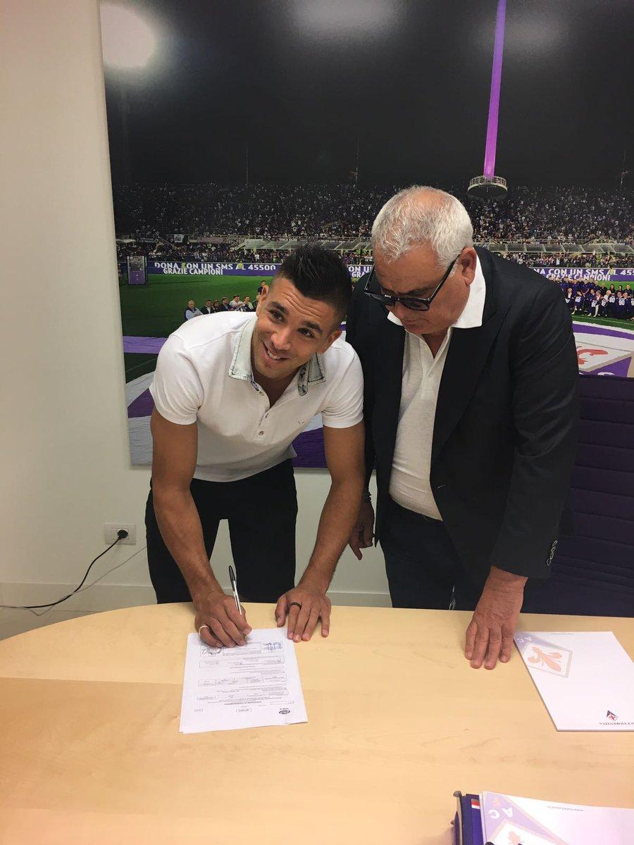 官方:佛罗伦萨签下热那亚前锋小西蒙尼