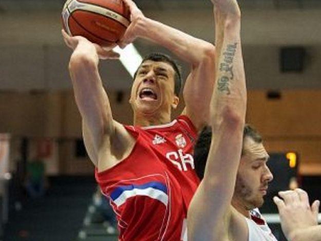 塞爾維亞熱身賽戰勝波蘭,博班得到12分