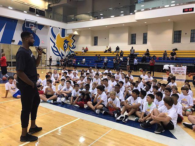 特裡斯坦-湯普森籃球訓練營第一天成功舉辦