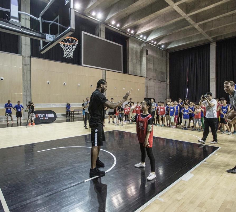 NBA官方發佈倫納德中國行組圖